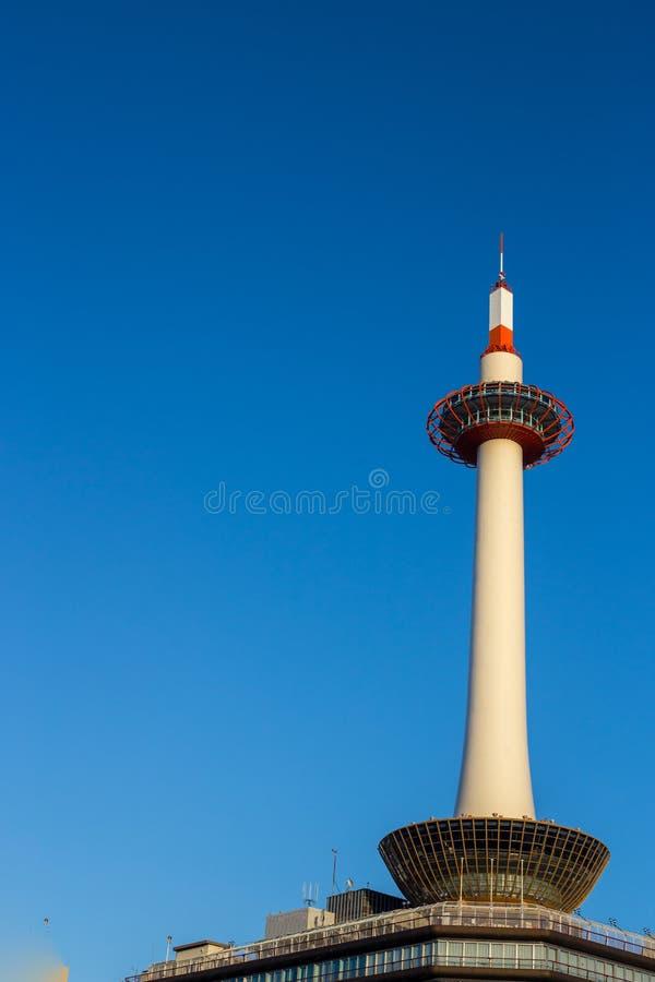Πύργος του Κιότο στο υπόβαθρο μπλε ουρανού στοκ φωτογραφίες με δικαίωμα ελεύθερης χρήσης
