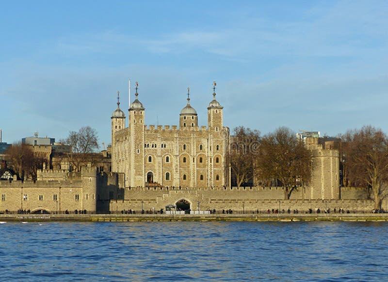 Πύργος του Λονδίνου από το Δημαρχείο στοκ φωτογραφία με δικαίωμα ελεύθερης χρήσης