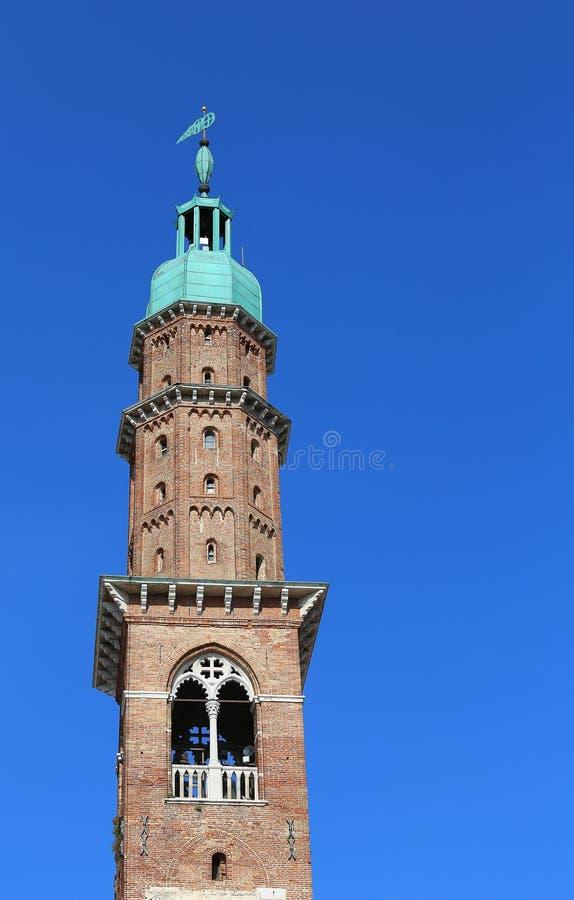Πύργος του συμβόλου Palladian βασιλικών της πόλης του Βιτσέντσα στη Ita στοκ φωτογραφίες