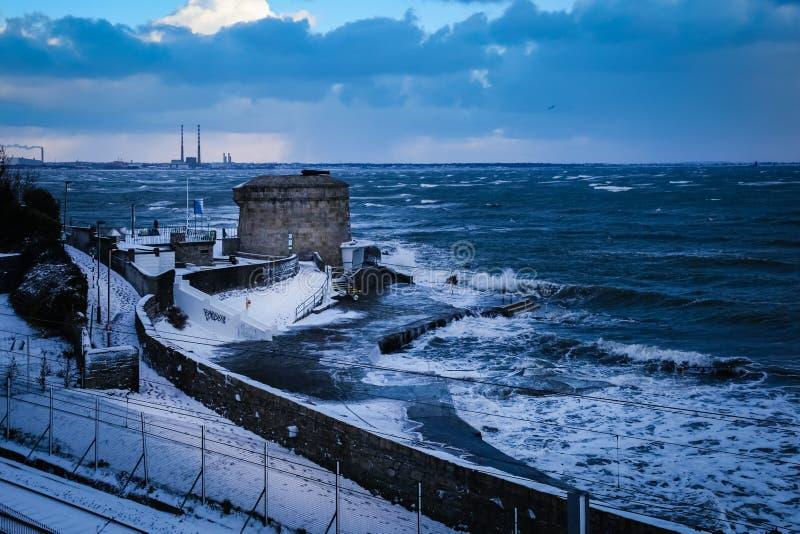 Πύργος Martello Seapoint dun laoghaire Νομός Δουβλίνο Ιρλανδία στοκ εικόνα