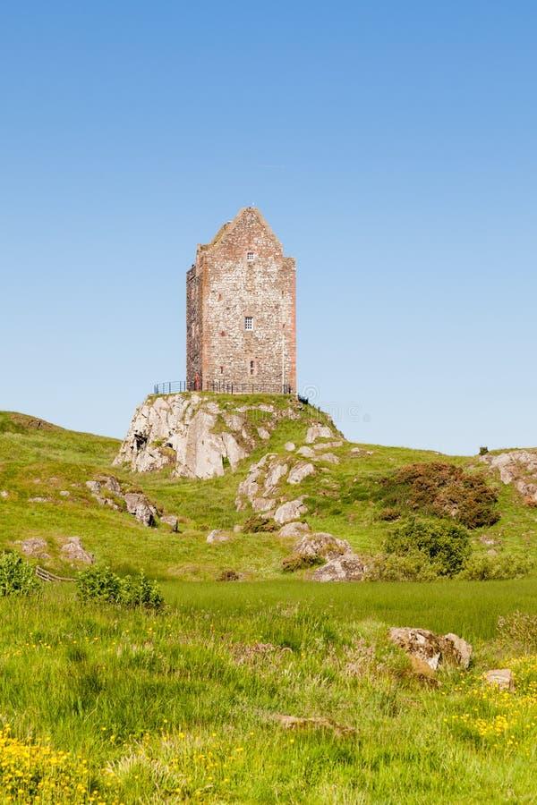 Πύργος Smailholm στα σκωτσέζικα σύνορα στοκ φωτογραφίες με δικαίωμα ελεύθερης χρήσης