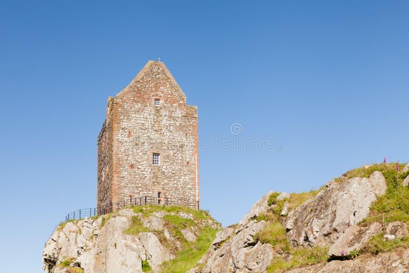 Πύργος Smailholm στα σκωτσέζικα σύνορα στοκ εικόνες με δικαίωμα ελεύθερης χρήσης