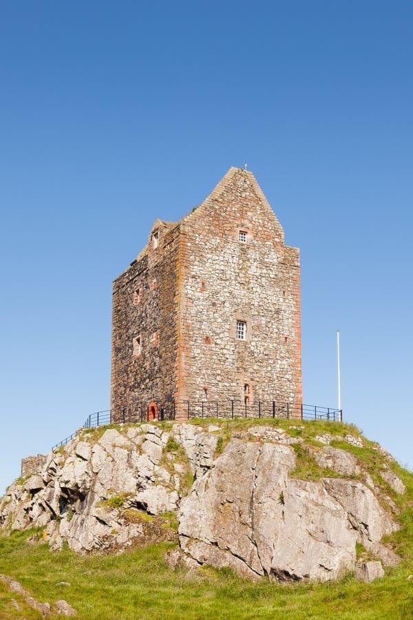 Πύργος Smailholm στα σκωτσέζικα σύνορα στοκ φωτογραφία