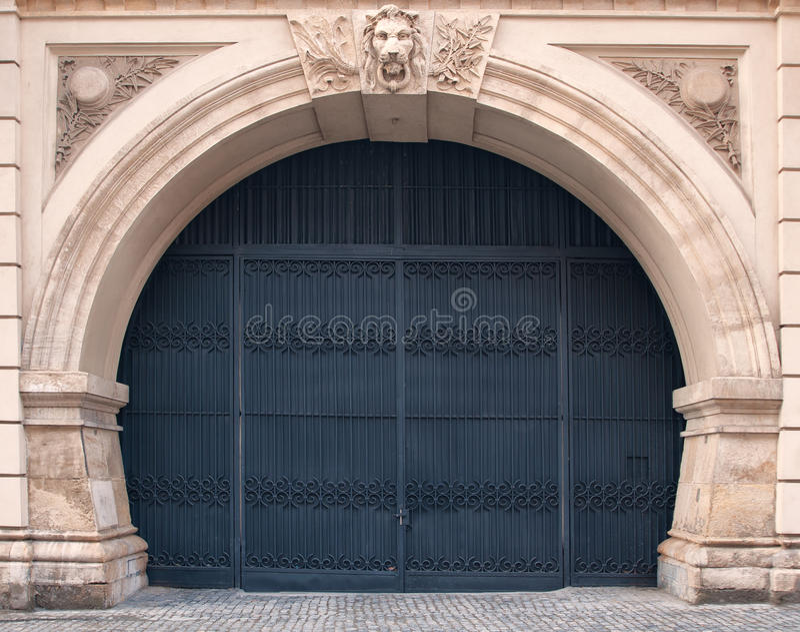 Πύλη επεξεργασμένου σιδήρου στοκ εικόνες με δικαίωμα ελεύθερης χρήσης