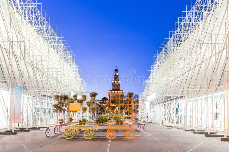 Πύλη 2015 EXPO στο Μιλάνο, Ιταλία στοκ φωτογραφία