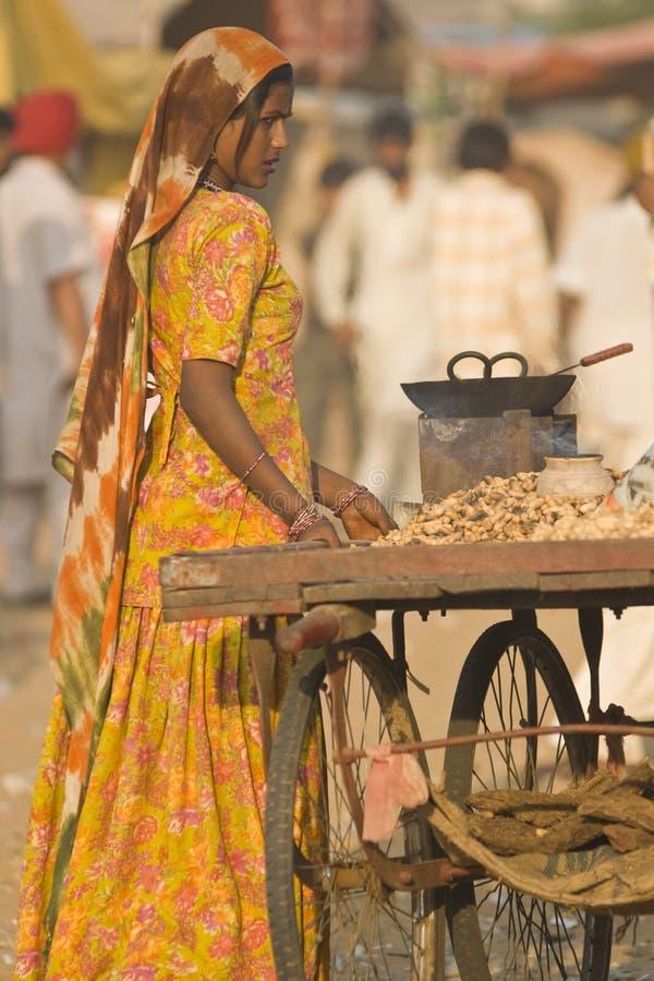 πώληση γυναικείων καρυδ&i στοκ φωτογραφίες με δικαίωμα ελεύθερης χρήσης