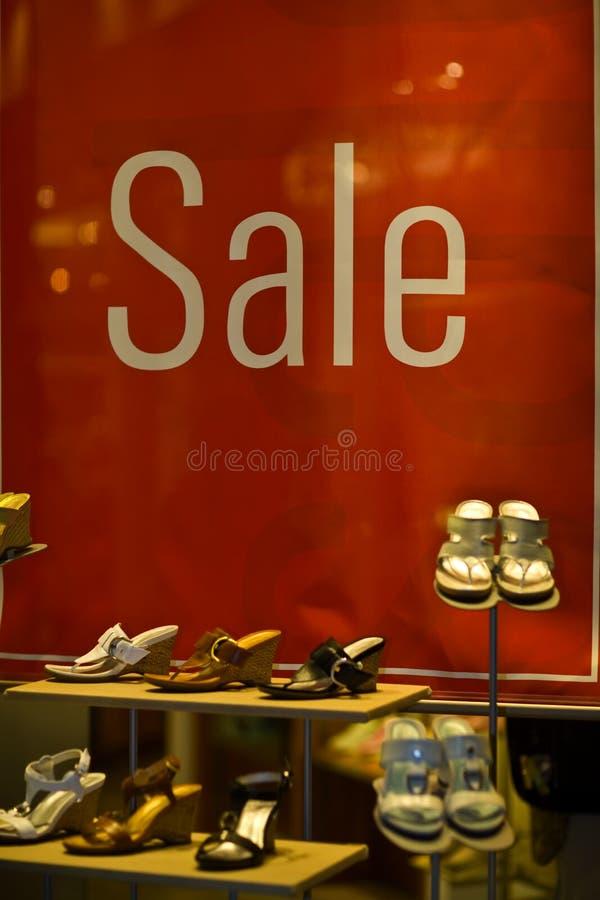 Πώληση παρουσίασης παραθύρων στοκ φωτογραφία