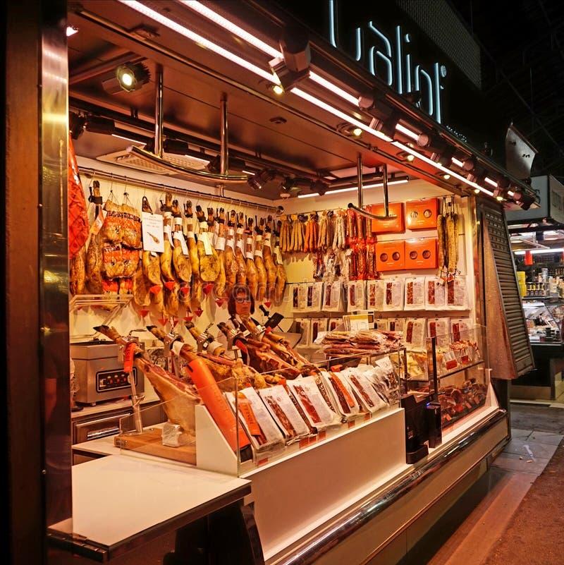 Πώληση των ποτών φρούτων στην αγορά Boqueria στη Βαρκελώνη στοκ φωτογραφίες με δικαίωμα ελεύθερης χρήσης