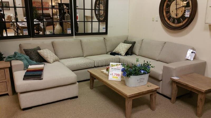 Πώληση καναπέδων στοκ εικόνα