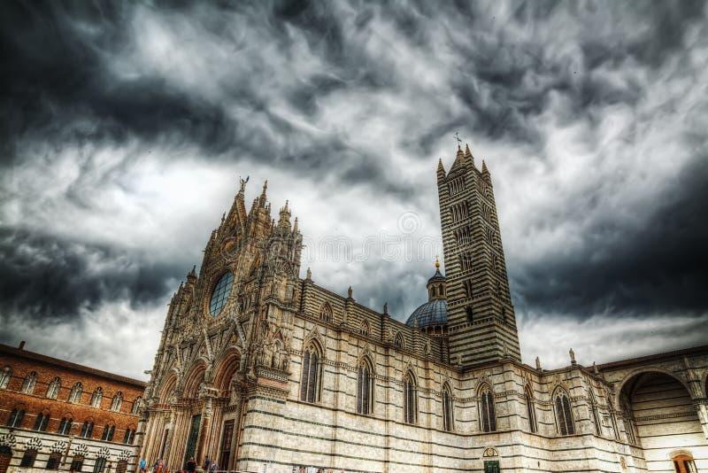 Πλάγια όψη της Σιένα Duomo στοκ εικόνες με δικαίωμα ελεύθερης χρήσης