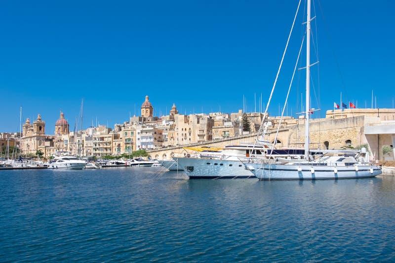Πλέοντας βάρκες στη μαρίνα Senglea στο μεγάλο κόλπο, Valletta, Μάλτα στοκ φωτογραφίες με δικαίωμα ελεύθερης χρήσης