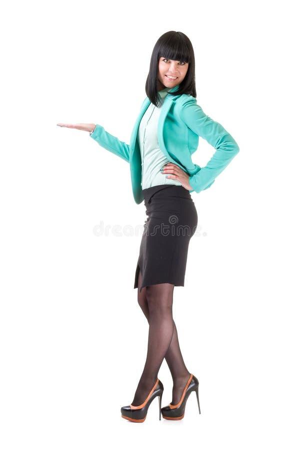 Πλήρες μήκος της όμορφης παρουσίασης επιχειρησιακών γυναικών στοκ εικόνα με δικαίωμα ελεύθερης χρήσης