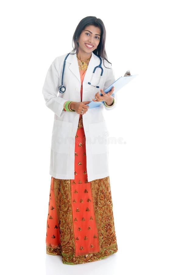Πλήρες πορτρέτο ιατρών σωμάτων ινδικό θηλυκό στοκ εικόνες