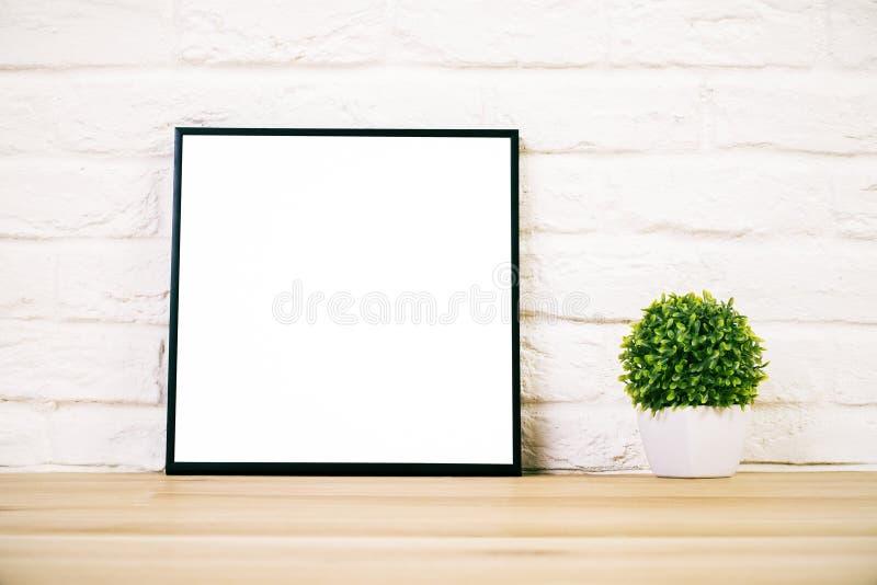 Πλαίσιο στο άσπρο τούβλο στοκ φωτογραφίες με δικαίωμα ελεύθερης χρήσης