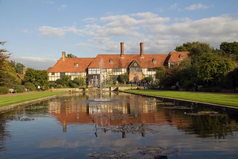 Πλαισιωμένο Tudor σπίτι στοκ εικόνες