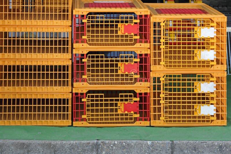Πλαστικά κλουβιά στοκ εικόνα με δικαίωμα ελεύθερης χρήσης