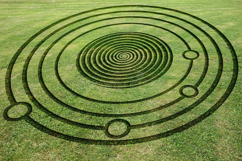 Πλαστός κύκλος συγκομιδών στο λιβάδι στοκ φωτογραφία με δικαίωμα ελεύθερης χρήσης