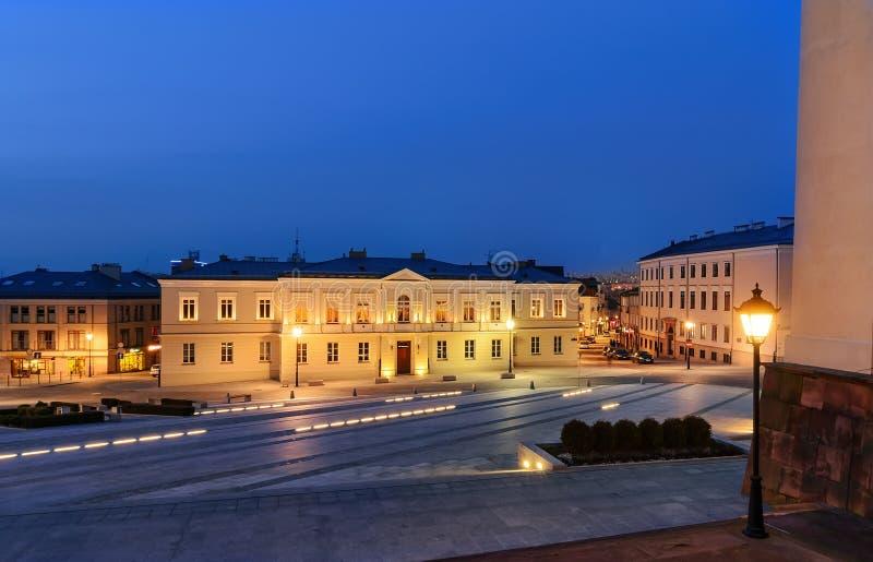 Πλατεία Panny Marii σε Kielce, Πολωνία, μετά από το ηλιοβασίλεμα στοκ εικόνες