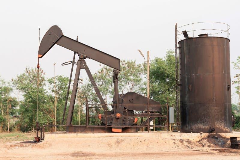 Πλατφόρμα άντλησης πετρελαίου στοκ εικόνες