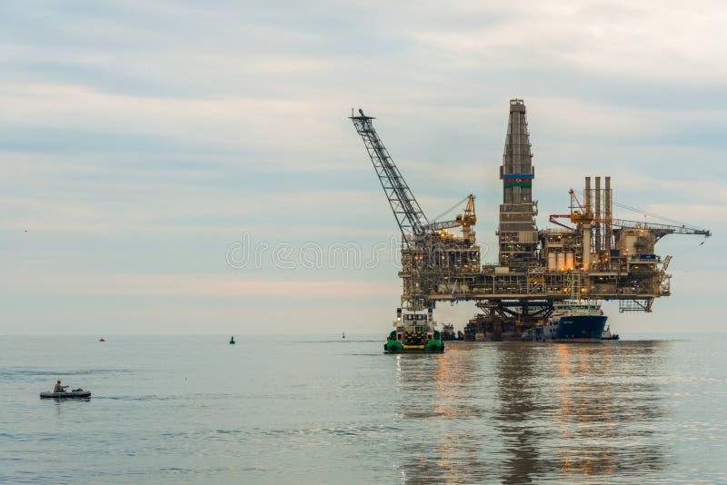 Πλατφόρμα πλατφορμών άντλησης πετρελαίου στοκ εικόνα