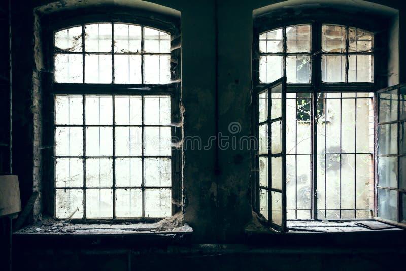 Πλεγμένο παράθυρο στοκ φωτογραφία με δικαίωμα ελεύθερης χρήσης