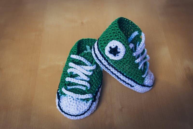 Πλεκτό παιδιά αστέρι παπουτσιών στοκ φωτογραφίες με δικαίωμα ελεύθερης χρήσης