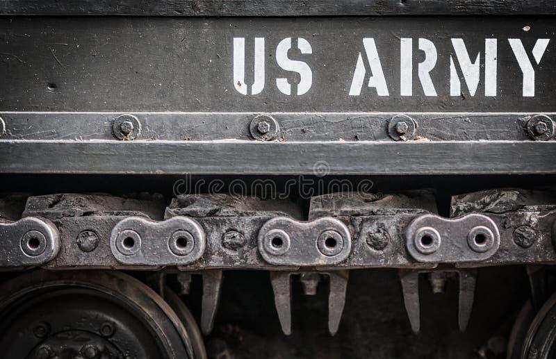 Πλευρά της κινηματογράφησης σε πρώτο πλάνο δεξαμενών με το αμερικάνικο στρατό κειμένων σε το. στοκ εικόνα