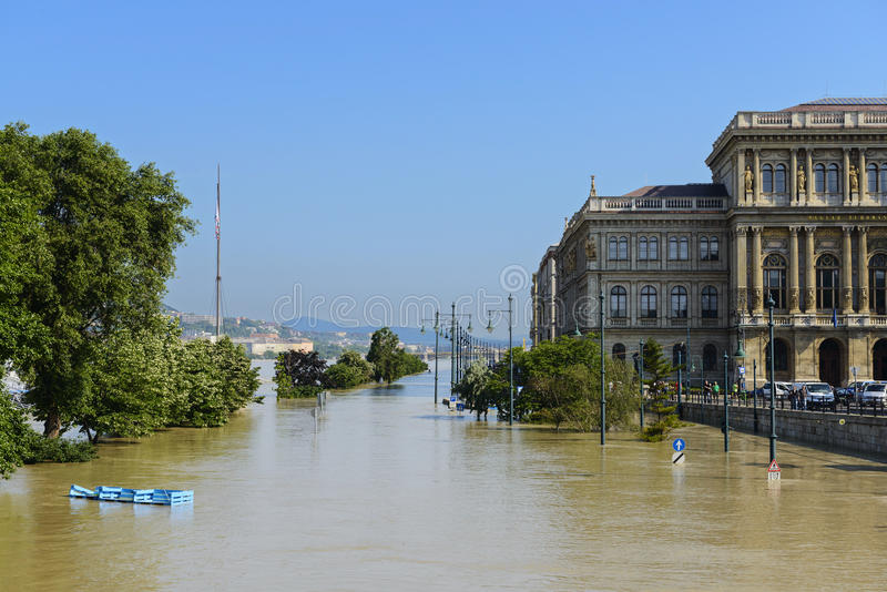 Πλημμύρα στη Βουδαπέστη.  Ουγγαρία στοκ εικόνες με δικαίωμα ελεύθερης χρήσης