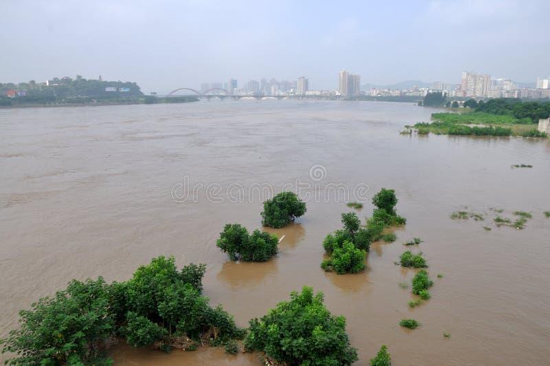 2013 πλημμύρες της νοτιοδυτικής Κίνας στοκ φωτογραφίες
