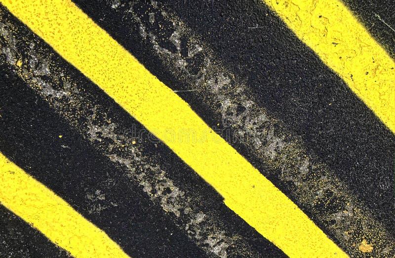 Ράβδωση στην επιφάνεια χώρων στάθμευσης ασφάλτου στοκ φωτογραφίες με δικαίωμα ελεύθερης χρήσης