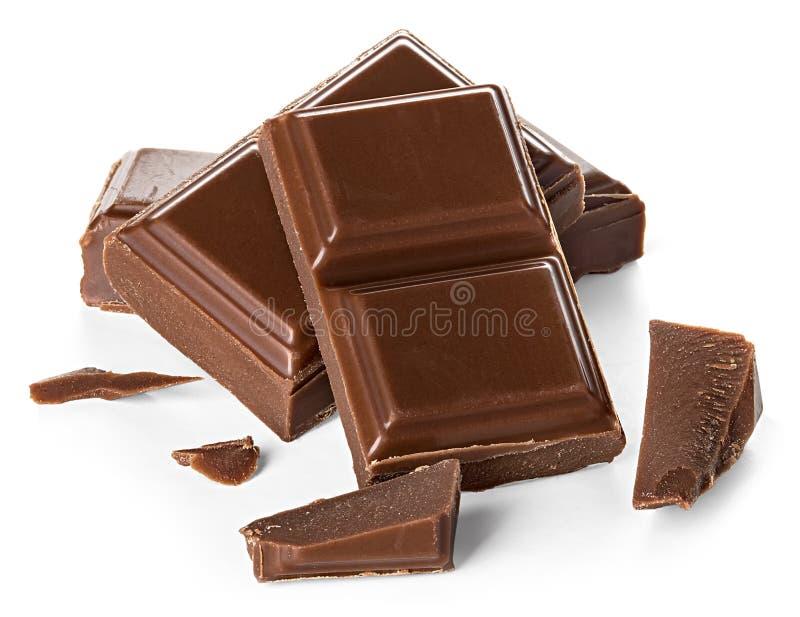 Ράβδοι σοκολάτας που απομονώνονται στο λευκό στοκ φωτογραφία