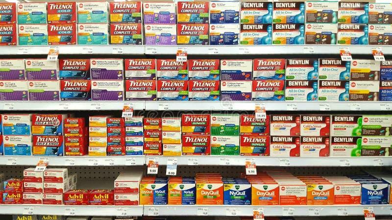 Ράφια φαρμακείων στοκ φωτογραφία με δικαίωμα ελεύθερης χρήσης
