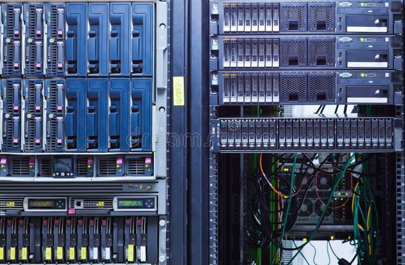 Ράφι κεντρικών υπολογιστών στοκ φωτογραφία
