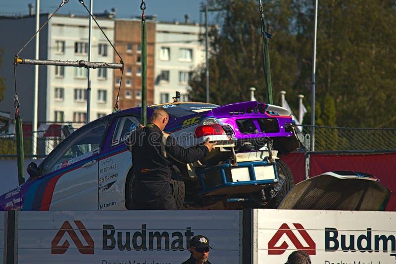 Ρήγα, Λετονία - 2 Αυγούστου 2019 - αυτοκίνητο Ivo Cirulis που εκκενώνεται μετά από τη συντριβή στοκ φωτογραφίες