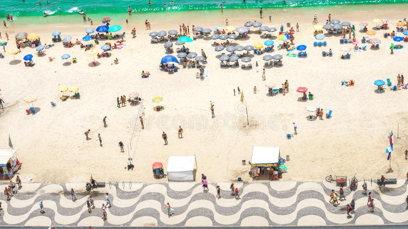 Ρίο ντε Τζανέιρο, Βραζιλία - 01 01 2019 παραλία Copacabana στο Ρίο ντε Τζανέιρο, Βραζιλία Εναέρια άποψη της αμμώδους παραλίας Cop στοκ φωτογραφίες με δικαίωμα ελεύθερης χρήσης
