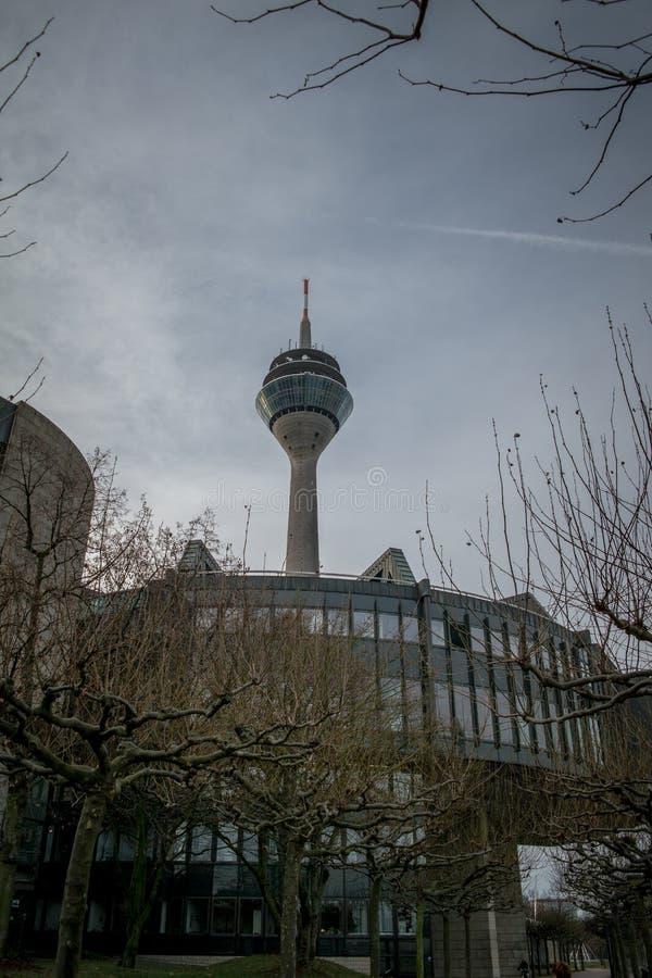 Ραδιο πύργος στο Ντίσελντορφ Γερμανία το χειμώνα στοκ φωτογραφίες με δικαίωμα ελεύθερης χρήσης