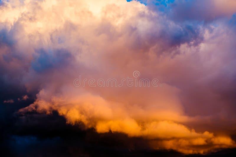 δραματικό ηλιοβασίλεμα &o στοκ φωτογραφίες