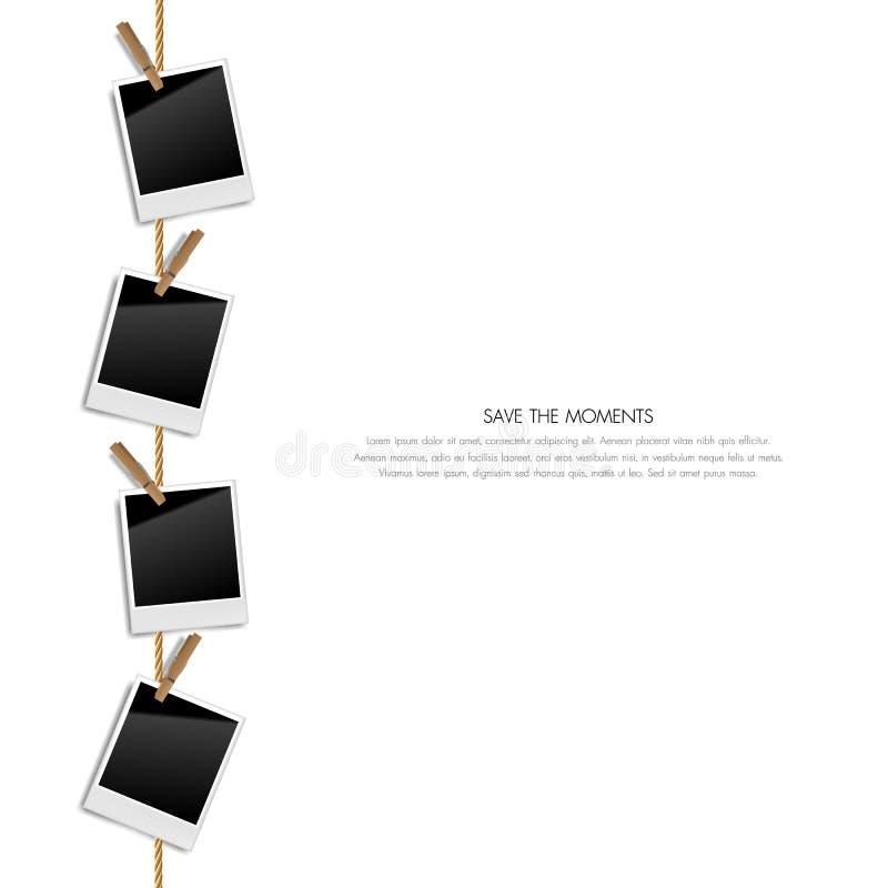 Ρεαλιστικά κενά αναδρομικά πλαίσια φωτογραφιών σε ένα σχοινί με τους ξύλινους συνδετήρες, διανυσματική απεικόνιση ελεύθερη απεικόνιση δικαιώματος