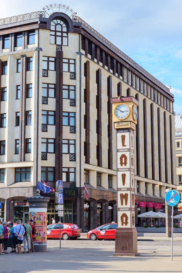 ΡΗΓΑ, ΛΕΤΟΝΙΑ - 8 Αυγούστου 2014: Το ρολόι Laima στη Ρήγα στοκ εικόνα