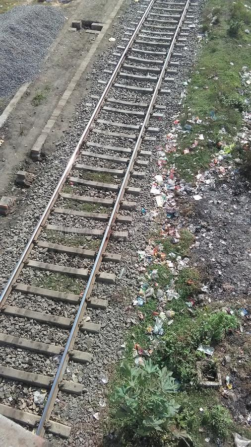 ρηχή διαδρομή σιδηροδρόμων πεδίων βάθους στοκ φωτογραφία
