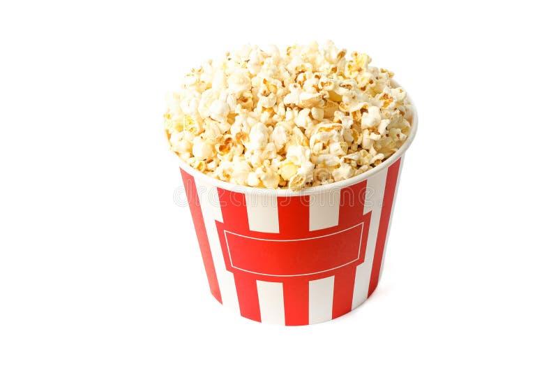 Ριγωτός κάδος popcorn που απομονώνεται με στοκ εικόνες