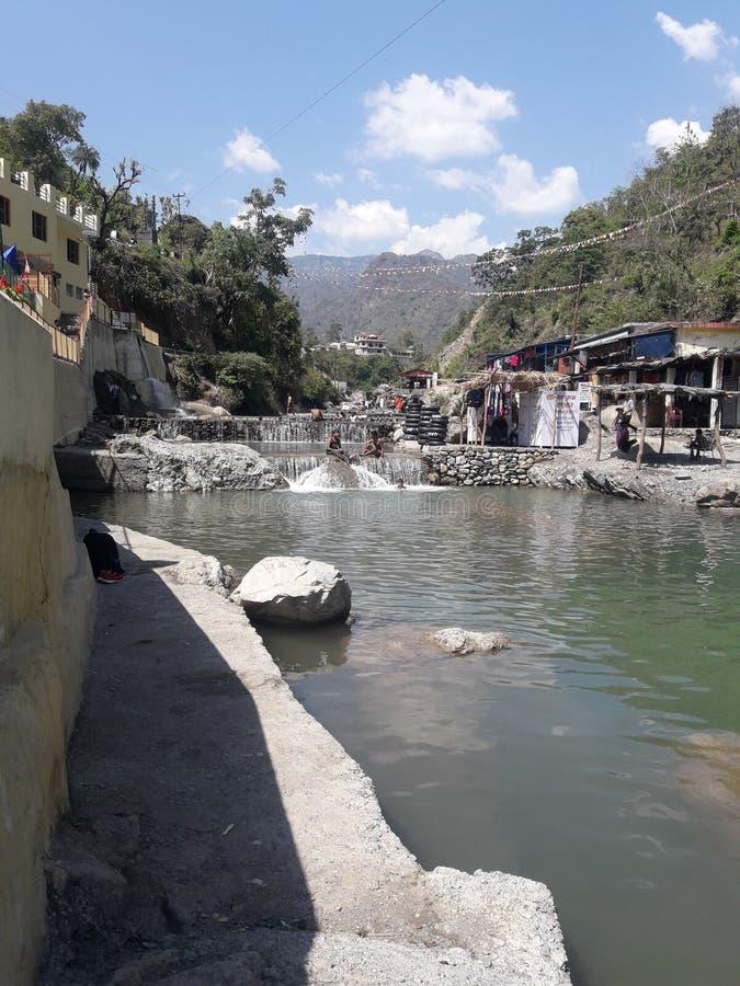 100 ροές του νερού στοκ φωτογραφία