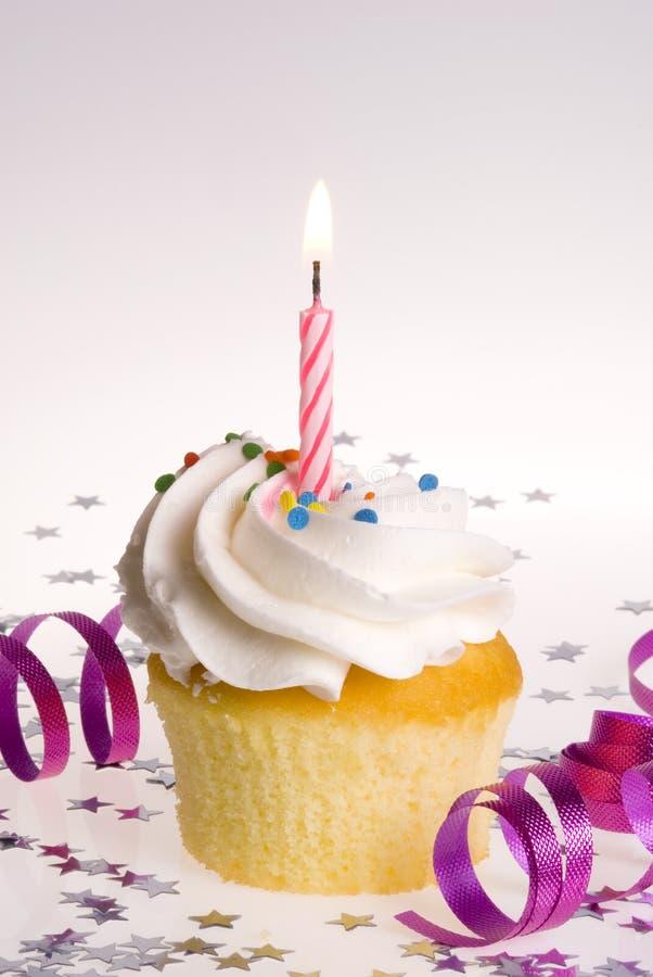 ροζ κεριών cupcake στοκ φωτογραφία με δικαίωμα ελεύθερης χρήσης