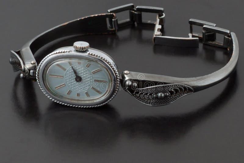 Download ρολόι στοκ εικόνα. εικόνα από χέρι, ρολόι, συνεδρίαση - 22791363