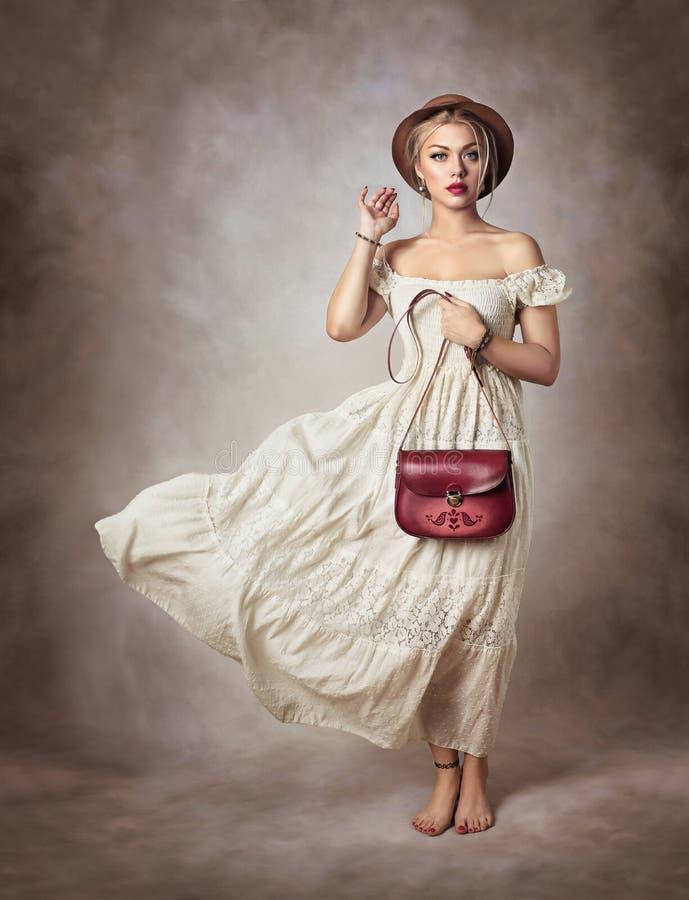 ρομαντική γυναίκα στοκ φωτογραφίες με δικαίωμα ελεύθερης χρήσης