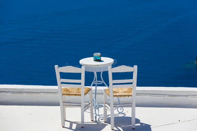 Ρομαντική θέση στο νησί Santorini στην Ελλάδα στοκ εικόνες