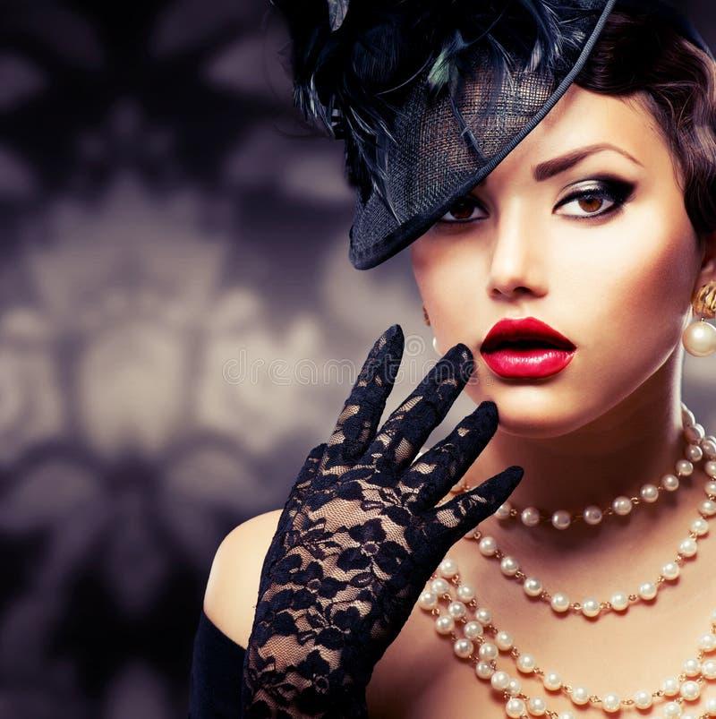 Ρομαντική ομορφιά. Αναδρομικό ύφος στοκ εικόνες με δικαίωμα ελεύθερης χρήσης