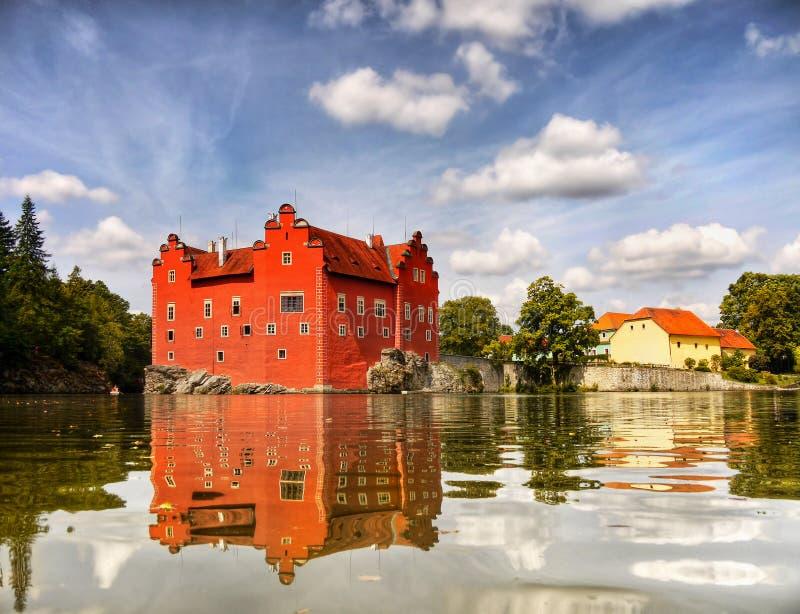 Ρομαντικό ορόσημο Βοημία παλατιών του Castle πύργων στοκ φωτογραφίες