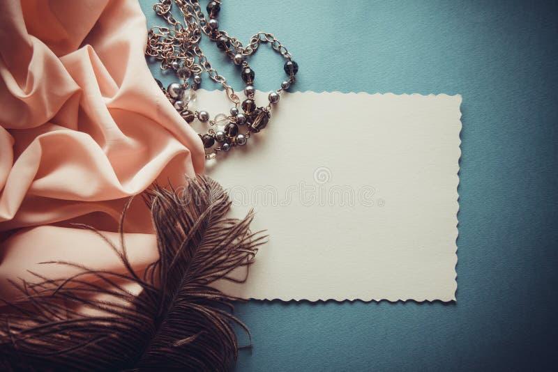 Ρομαντικό ρόδινο υπόβαθρο lila& διανυσματική απεικόνιση