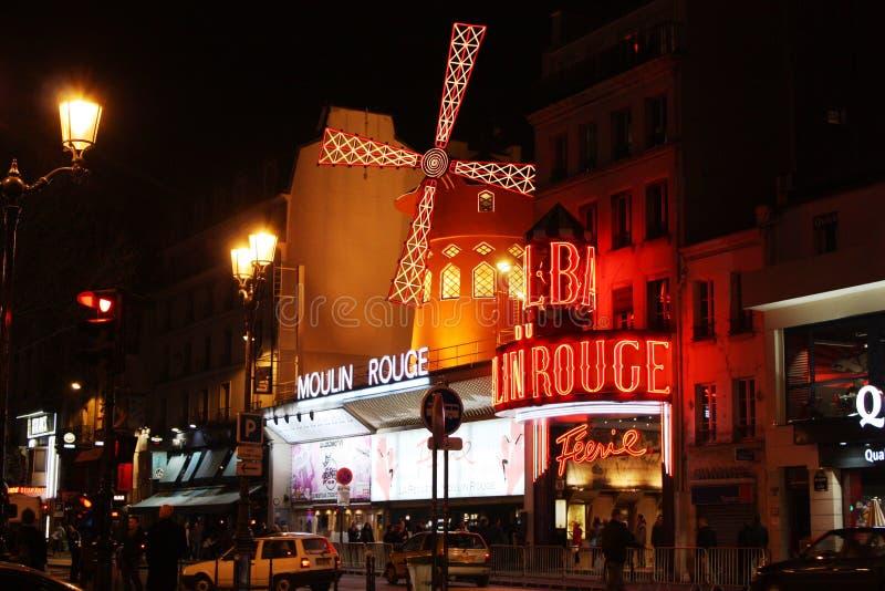 ρουζ του Παρισιού νύχτας moulin στοκ εικόνα